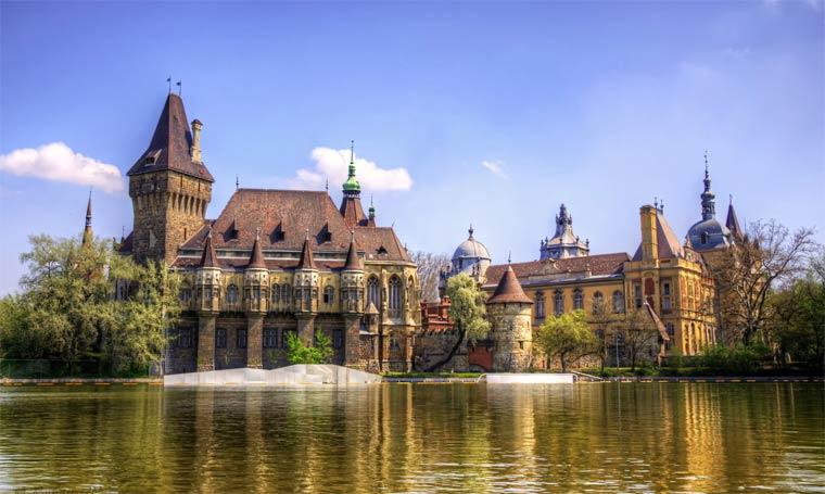 Замок Вайдахуняд — жемчужина Будапешта