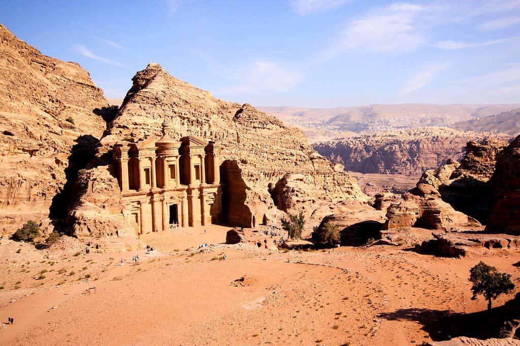 Петра - «город древний как само время»