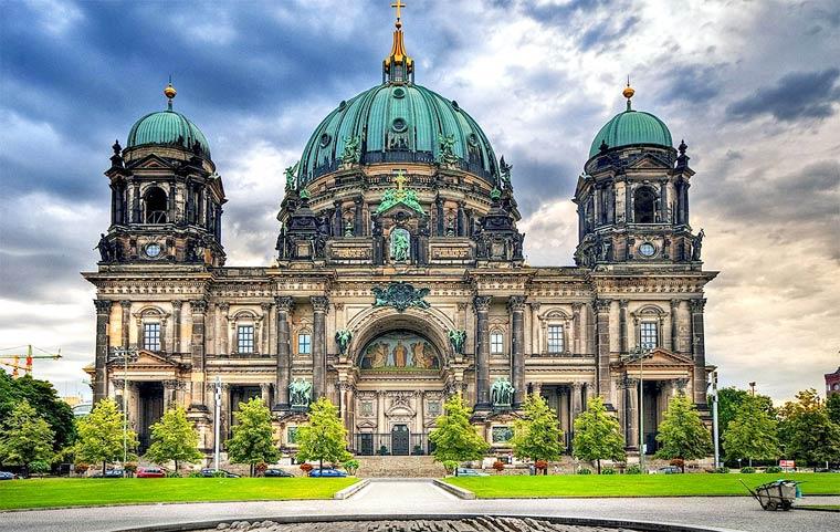 ТОП-7 самых популярных достопримечательностей Берлина | 481x760