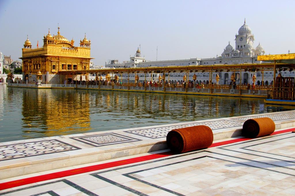 Золотой храм (Хармандир-Сахиб) в Индии - сокровище сикхов
