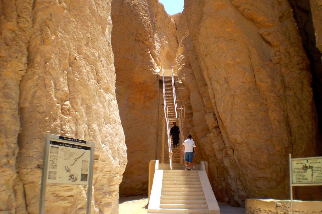 Долина царей — подземный «город мёртвых» в древних Фивах