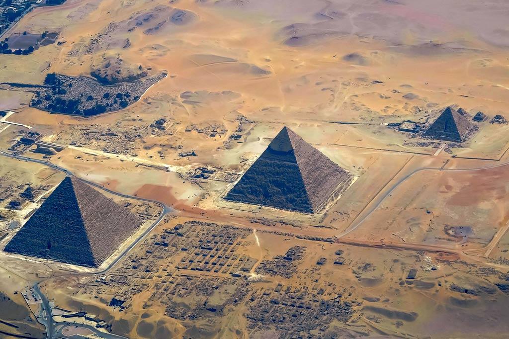 Великие пирамиды Гизы (Египетские пирамиды) и Большой Сфинкс — наследие Древнего царства